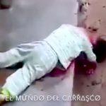 【閲覧注意】まだ幼い子供の首まで斬首された事件現場のグロ動画・・・。