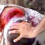 【超!閲覧注意】マチェーテで男の首を切断するスローモーショングロ動画。
