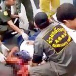 【超!閲覧注意】事故で顔がグチャグチャになった男性の死体を回収するグロ動画・・・。