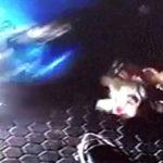【衝撃映像】クラッシュした車から2人の子供を間一髪守った男。