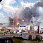 【衝撃映像】29人が死亡した花火工場の爆発の威力がヤバすぎる・・・。