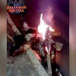 【閲覧注意】レイプ犯の男、住民たちに身体をバラバラにされ燃やされてしまったグロ動画。