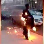 【衝撃映像】身体が燃えているのに超冷静な男・・・。
