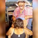 若い女性にフェラチオされてめっちゃ幸せそうなメキシコのオッサン。
