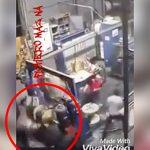 【衝撃映像】回転する機械に巻き込まれグルグル回されて死亡した作業員。