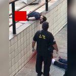 【閲覧注意】飛び降り自殺した男の身体、胴体真っ二つになってしまう・・・。