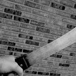 【閲覧注意】頭を銃で撃たれて殺されたあと、腕をバラバラに切断されたグロ動画。