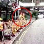 身体に火が燃え移ってしまった同僚を見てパニックになった作業員、可燃性液体をぶっかけてしまう。