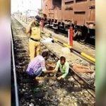 【閲覧注意】列車に轢かれて胴体切断された男性がまだ結構生きてるグロ動画。