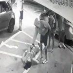 【衝撃映像】口論となった女性を躊躇なく撃ち殺す男。