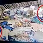 【衝撃映像】何かが爆発して右脚が吹き飛ばされる瞬間を撮影したグロ動画。