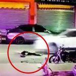 酔っ払って道路に寝そべった男、普通に車に轢かれてしまう・・・。