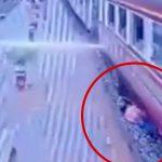 【閲覧注意】走行中の列車から転落した男性、そのまま轢かれてしまうアクシデント。