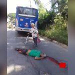 【閲覧注意】事故で死亡した男性、脳がまるごと飛び出してしまったグロ動画。