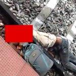 【閲覧注意】駅のホームから落ちてしまった男性の頭、パカッと割れてしまったグロ動画。