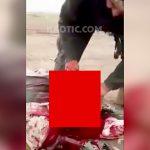 【閲覧注意】殺した敵兵の首をナイフで切断するグロ動画。