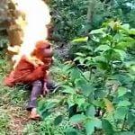 【閲覧注意】金を盗むために男を殺した女、生きたまま燃やされてしまう。