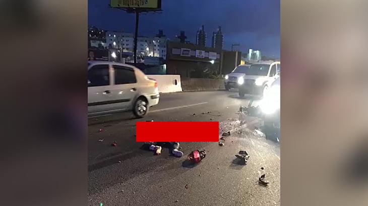【閲覧注意】トラックに轢かれて肉片が飛び散って死亡した男性のグロ動画。