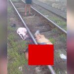 【閲覧注意】列車に胴体真っ二つにされて死んだ人間のグロ動画。