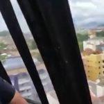 【衝撃映像】ヘリコプターが街なかに墜落する様子を乗客が撮影した映像、怖すぎる・・・。