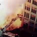 【衝撃映像】LAで発生した火災現場、まるで巨大な火炎放射器・・・。