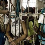【閲覧注意】バラバラにした男性の身体をパズルのようにして遊ぶ囚人たちのグロ動画。