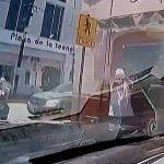 【衝撃映像】パトロール中の警察車両が銃撃を受ける車載カメラ映像。