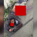 【閲覧注意】腸が飛び出した状態で死んでしまった男性のグロ動画。