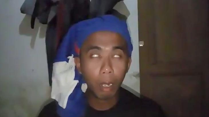 毒を飲んで自殺する様子をカメラで撮影した男。