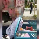 【閲覧注意】トラクターを運転していたお爺ちゃん、トラックに追突して顔が潰れてしまう・・・。