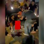 【閲覧注意】公道での違法レース中、ギャラリーの男性が轢かれて左足を失ってしまったグロ動画。