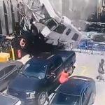 【衝撃映像】出港直後のフェリーになぜか空から車が降ってくるアクシデント映像。