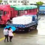 【中国】突っ込みどころが多い事故の瞬間・・・。