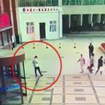 【衝撃映像】飛び降り自殺した女性に激突して死んでしまった男性。