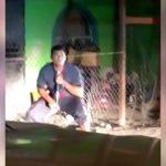 【衝撃映像】ショットガンで自分の顔を撃ち抜いて自殺する男。
