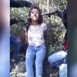 【閲覧注意】麻薬カルテルに捕まった女の子、首をナイフで切られて殺されるグロ動画。