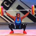 【閲覧注意】ウエイトリフティングの女性選手、バーベルを持ち上げた瞬間、左肘が脱臼してしまう・・・。