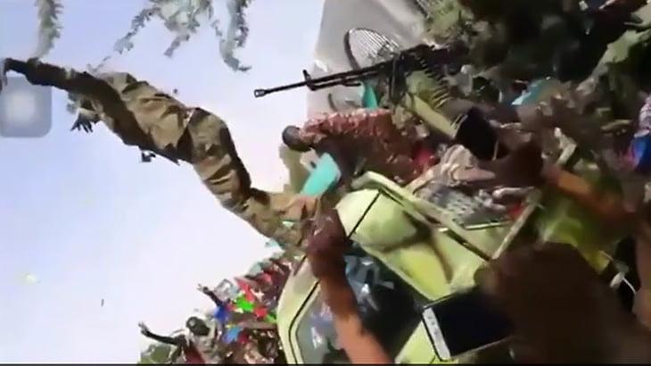【衝撃映像】決起集会中、祝砲で死んでしまった兵士。