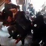 【衝撃映像】暴動のどさくさに紛れてスーパーから商品を強奪する住民たち。