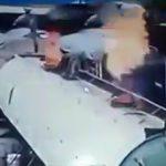【衝撃映像】タンクトレーラーが突然爆発して作業員が吹き飛ばされてしまう映像。
