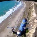 【衝撃映像】ハンググライダー中、ベルトが外れて墜落するアクシデント映像。