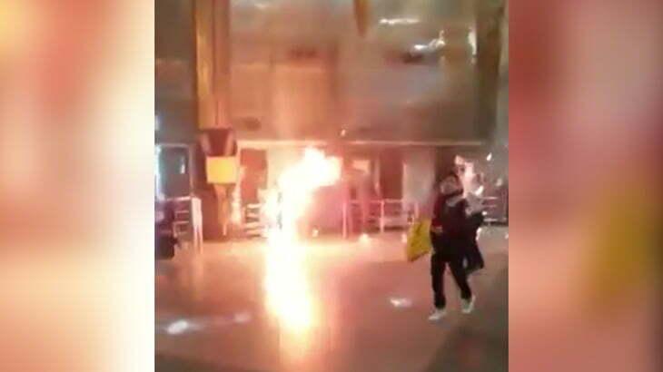 【衝撃映像】列車が爆発して火だるまになってしまった人間の映像。