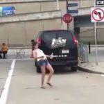 ドラッグ決まりすぎた女の子がムーンウォークしちゃう映像。