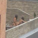 レズカップルさん、昼間からバルコニーでペニバンつけてセックスしてしまう。