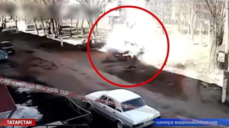 【衝撃映像】男性が自分の車に乗り込もうとした瞬間、大爆発が起こる映像。