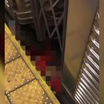 【閲覧注意】電車に轢かれて死亡した男性を駅のホーム上から撮影したグロ動画。