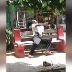 【衝撃映像】頭を殴られた男性、脳に致命的なダメージを受けて少しずつ痙攣し始める・・・。