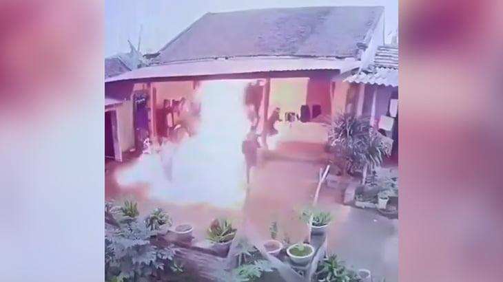 【衝撃映像】気に入らない親族の家に火を放つ男。