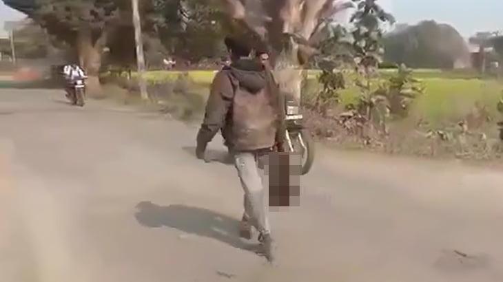 【閲覧注意】イカれた男、切断した妻の頭を持って散歩してしまう・・・。