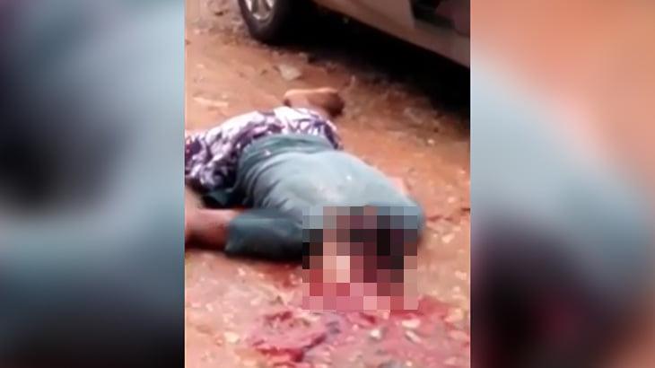 【閲覧注意】ショットガンで頭を割られて殺された男のグロ動画。